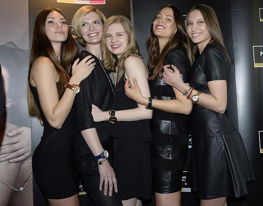 Denisa Dvončová, Kateřina Sokolová, Silvia Jagošová, Klára Vrtalová a Paula Ďuríková na představení kampaně