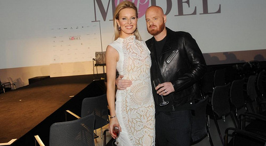 Krainová po skončení akce s manželem Karlem