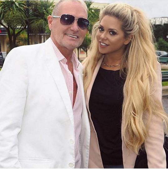 Bývalý anglický fotbalista Paul Gascoigne a jeho adoptovaná dcera Bianca Gascoigne