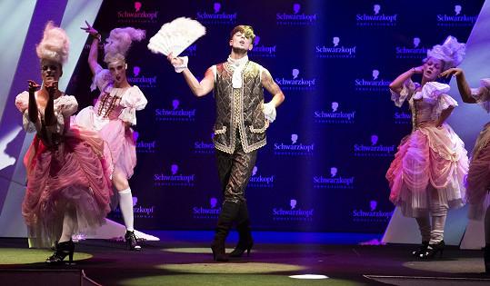 Ve slavnostní večer, který byl plný emocí, krásy a kreativity, diváky strhl svým tanečním vystoupením Filip Jankovič se svojí skupinou FJUnit.