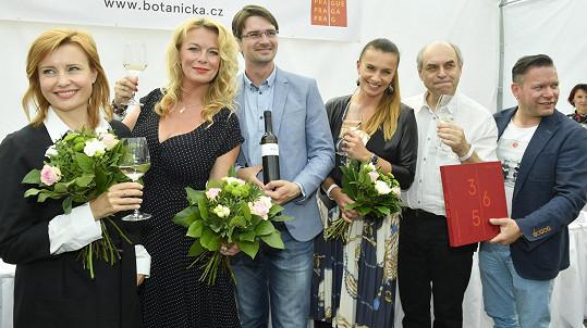 Herečka společně s kolegy slavila 50. výročí založení Botanické zahrady.
