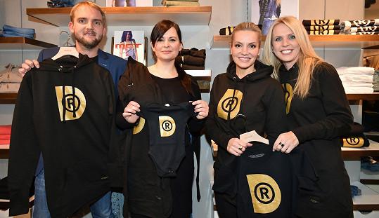 Dara podpořila nadaci Debra, jejíž tváří je Jitka Čvančarová. Podpořit je přišel i Libor Bouček.