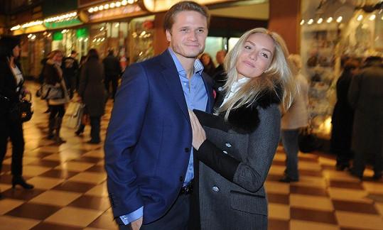 Táňa s Ondřejem vyrazili do kina.