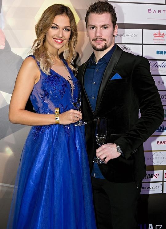 Lucie Kovandová s Petrem Holíkem na finále soutěže krásy