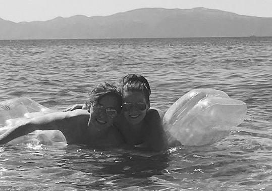 S přítelkyní Denisou