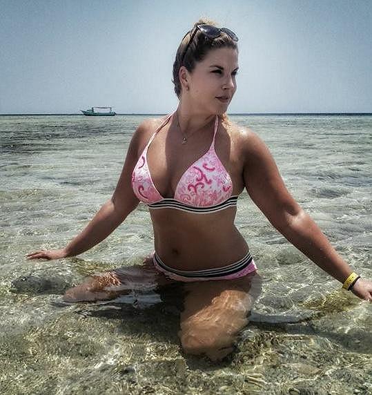 Marcela Škábová u moře