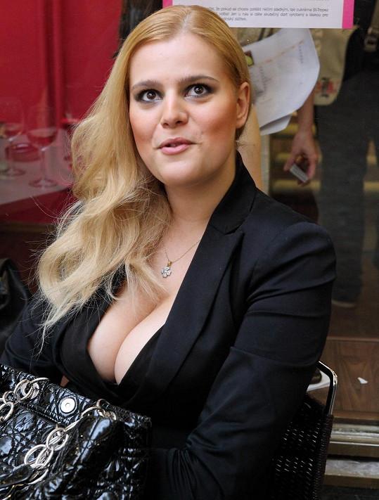 Ornella Štiková si myslí, že je hezčí a kvalitnější osoba.