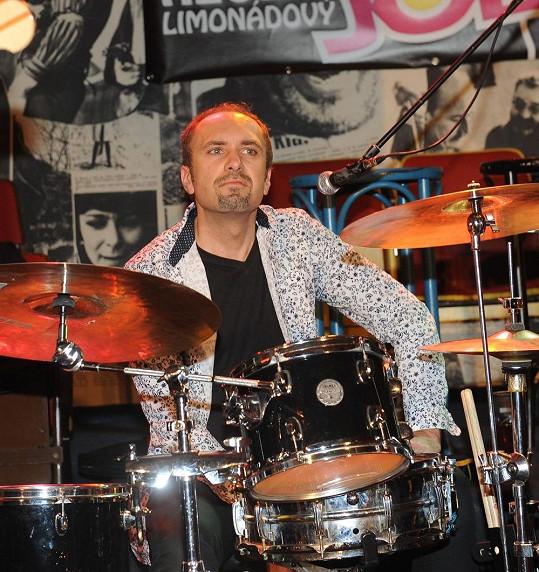 Na té už si zahrál nový bubeník Martin Vajgl.