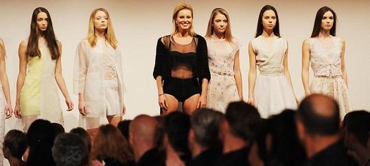 Krainová se objevila mezi modelkami v rámci přehlídky