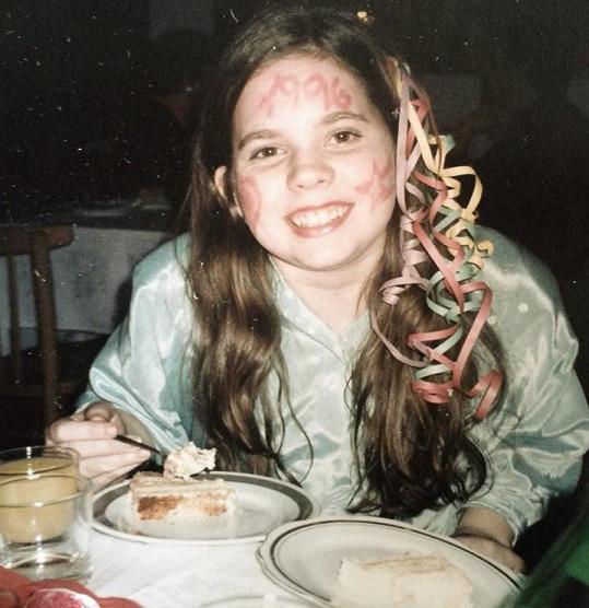 Ve třinácti byla ještě zakulacená.