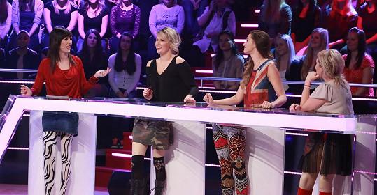 Na natáčení pořadu se Černochová potkala s Terezou Kostkovou, Ivou Kubelkovou a Bárou Basikovou.