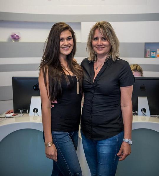 Andrea Kalousová se svou vychovatelkou Evou Dykastovou