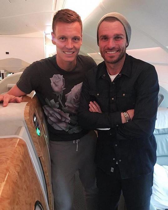 Leoš se v letadle do Thajska potkal s Tomášem Berdychem.