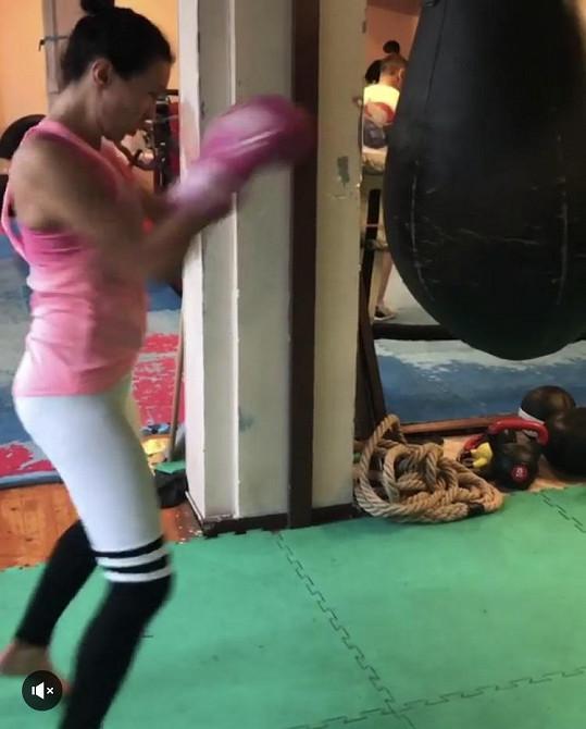 Zpěvačka Kamila Nývltová miluje box.