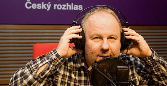 Moderátor Martin Hrdinka provede posluchače historií ankety Zlatý respektive Český slavík od jejího počátku do současnosti.