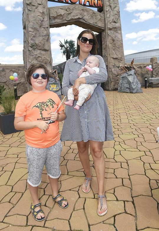 poprvé vzala na veřejnou akci i syna Svena, kterému jsou 3 měsíce.