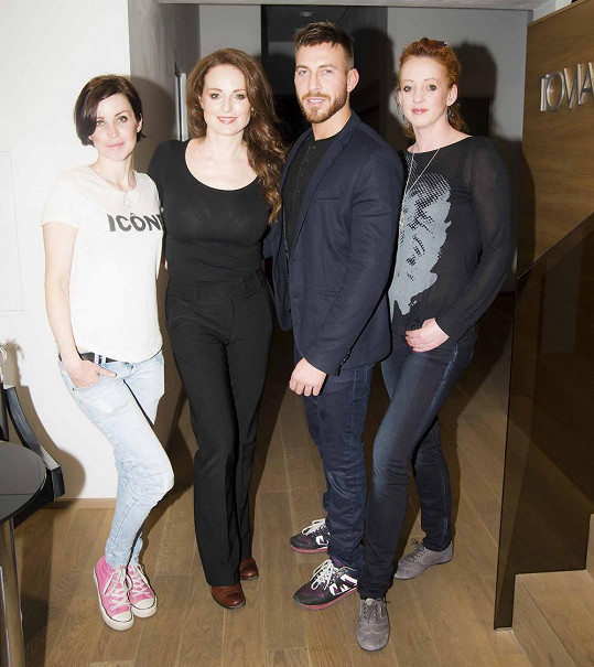 S týmem, který se podílel na přípravě snímků.
