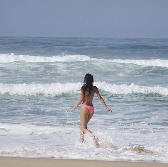 Lucie si užívá na dovolené v Mexiku.