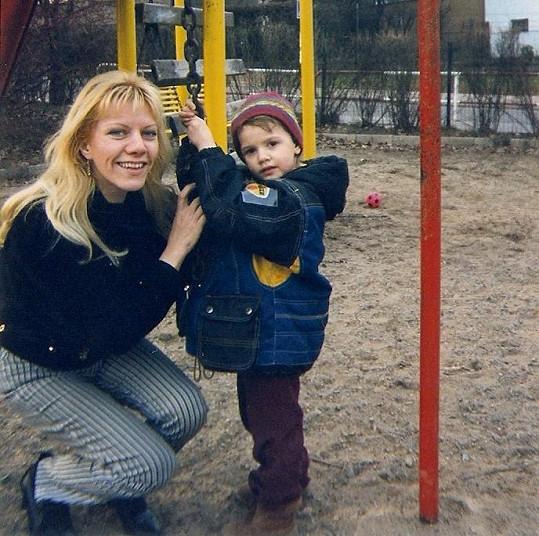 Se čtyřletou dcerou Petrou (1999).
