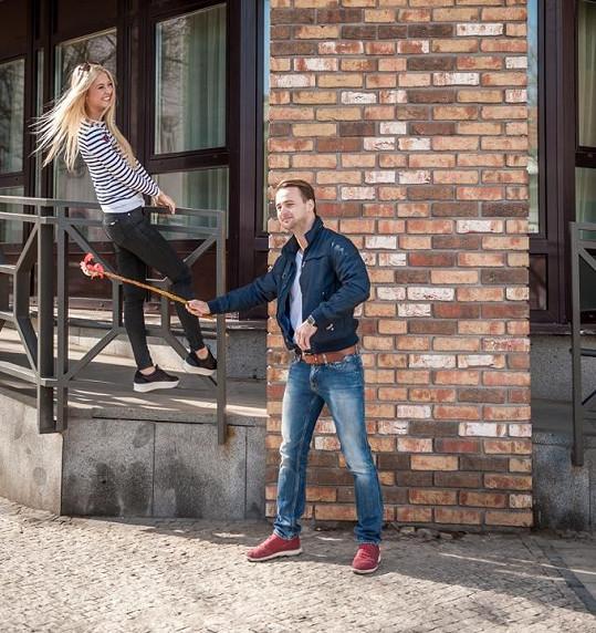 Natálie Kotková dostala na zadek od kamaráda.