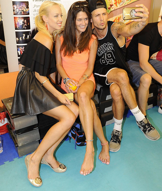 Spolu s Petrou ji podpořili například Katka Mátlová a Filip Jankovič.