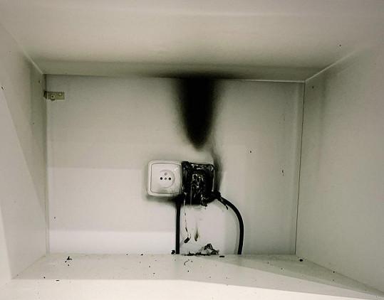 Tohle požár způsobil.