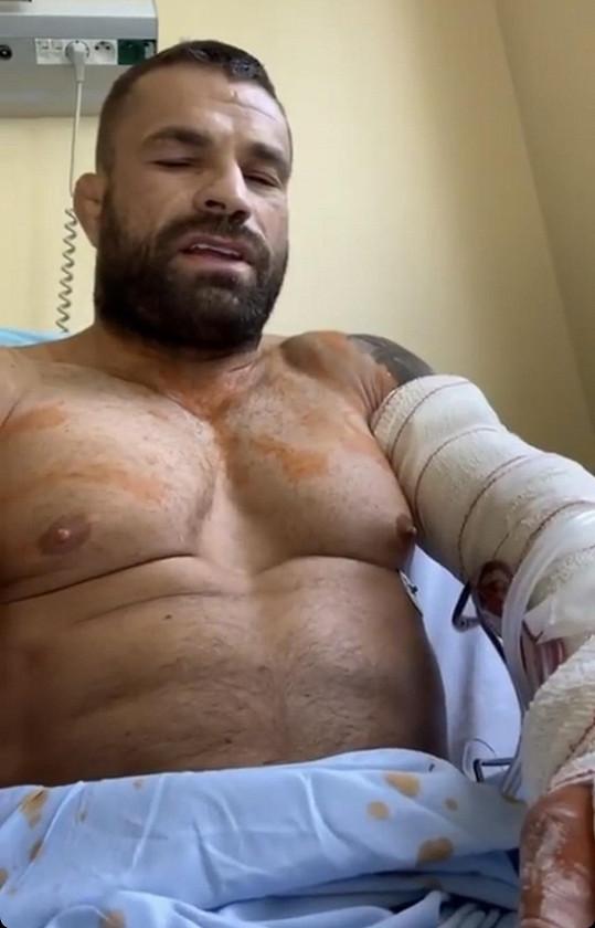 Karlos je po operaci, další ho nejspíš čekají.