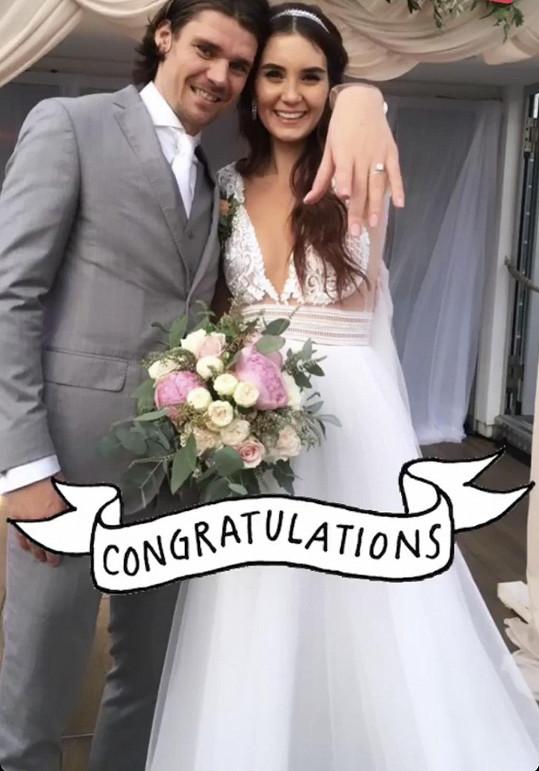 Kristýna s manželem Lukášem Třešňákem na srpnové svatbě