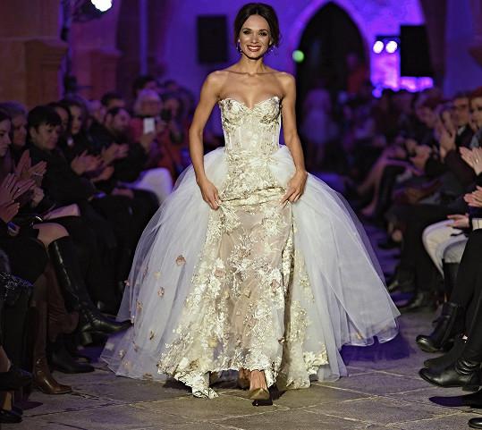 Gabriela Bártová poprvé od rozpadu manželství jako modelka na přehlídce