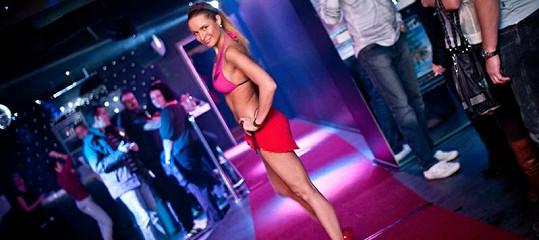 Pavelková má díky svým mírám velký úspěch jako modelka předvádějící plavky