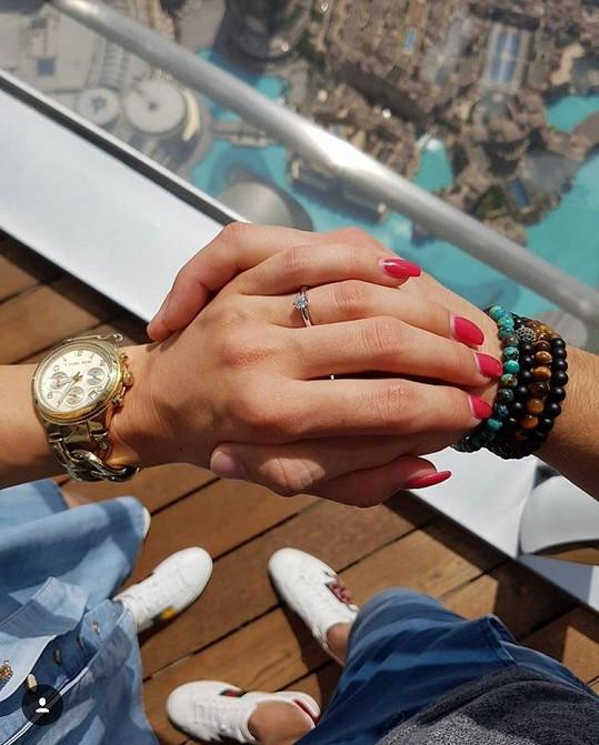 Takhle vypadá zásnubní prsten.