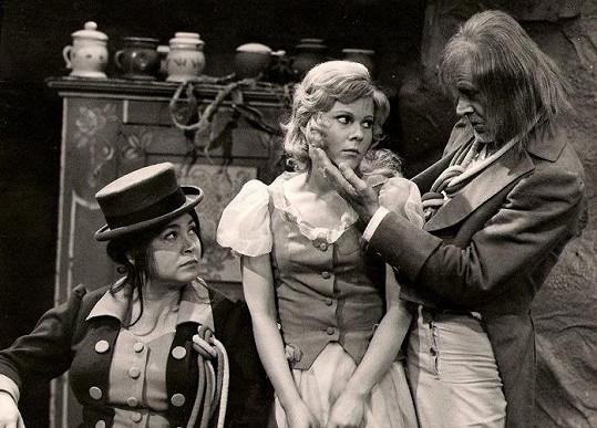 S Mílou Myslíkovou a Ottou Šimánkem v pohádce Panenka z vltavské tůně (1976)