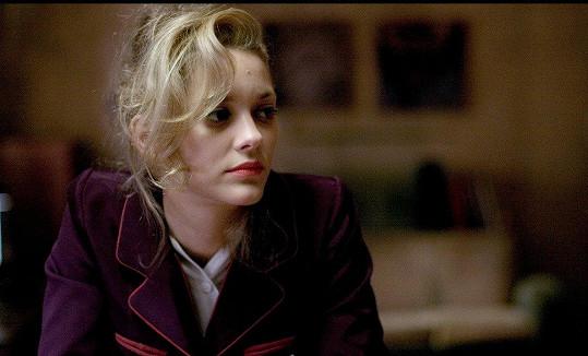 Ve filmu Černá skříňka (2005) byla blondýnka.