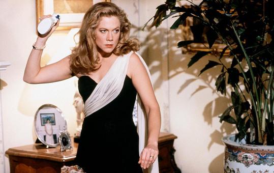 Válka Roseových a dnes již legendární filmová mrcha Kathleen Turner