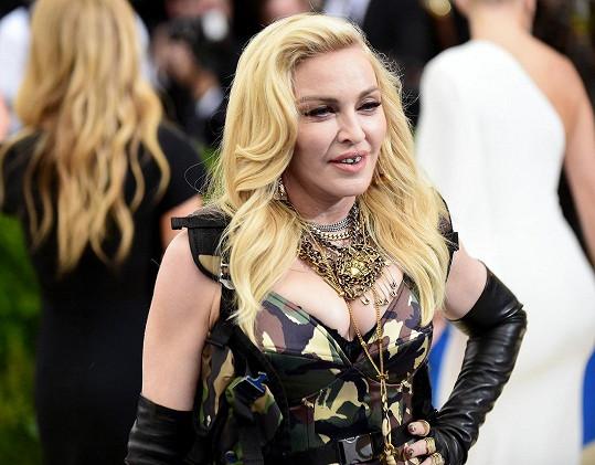Bohužel ne... tohle je pravá tvář Madonny!