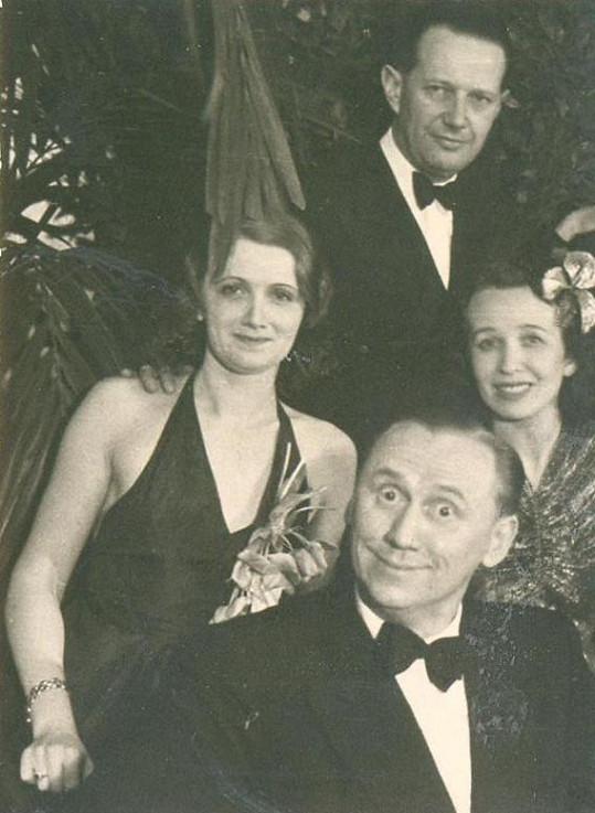 Jára Kohout, Marta Fričová a majitel cukrovarů Joe Hartman, jehož před Martou z peněz úspěšně ždímala Adina Mandlová.