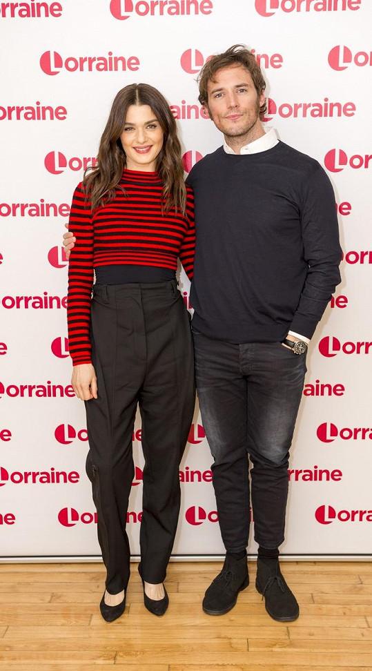 S hereckým kolegou Samem Claflinem přišli propagovat film Má sestřenice Rachel.