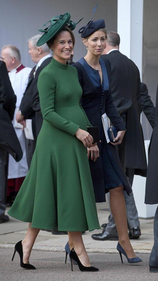 Ještě v pátek navštívila svatbu princezny Eugenie.