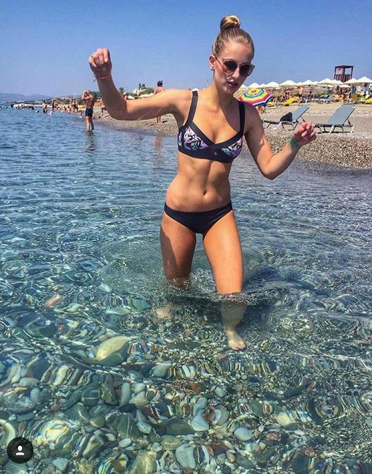Karolína si užívá na dovolené na řeckém ostrově Rhodos.