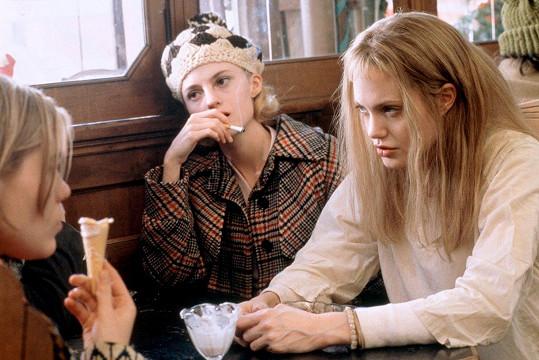 Blondýna byla už ve své oscarové roli ve filmu Narušení (1999).