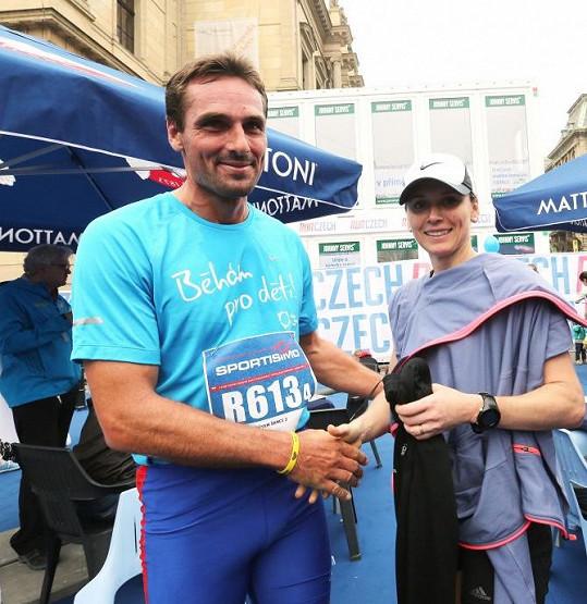 Roman Šebrle se s manželkou zúčastnil pražského půlmaratonu.
