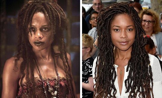 Bohyni Calypso zahrála Naomie Harris v Pirátech z Karibiku bezvadně.