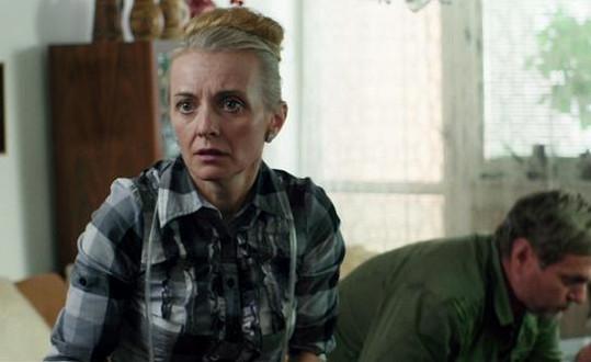 Postava Žilkové je ve filmu věčně vystresovaná.