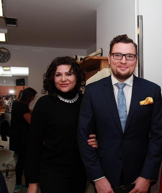 S nejmladším zpívajícím kapelníkem Petrem Sovičem Ilona spolupracuje již několik let.