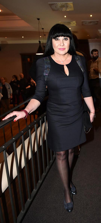 Tyhle šaty od Beaty Rajské by jí schválil.