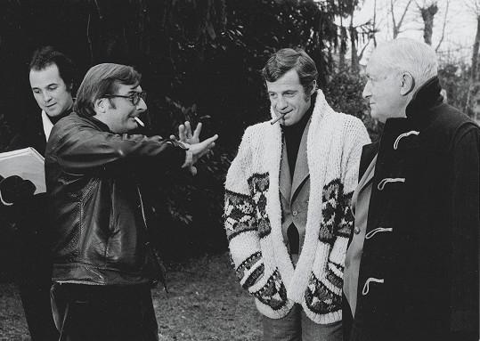 Belmondo s režisérem Claudem Chabrolem na natáčení filmu Doktor Popaul (1972)