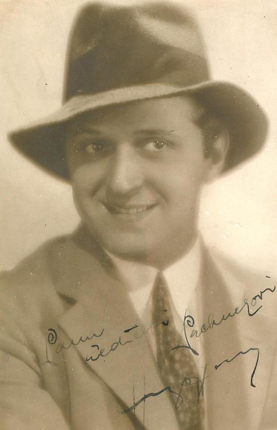 Do českého filmu ve třicátých letech vnesl ironii a inteligentní humor.