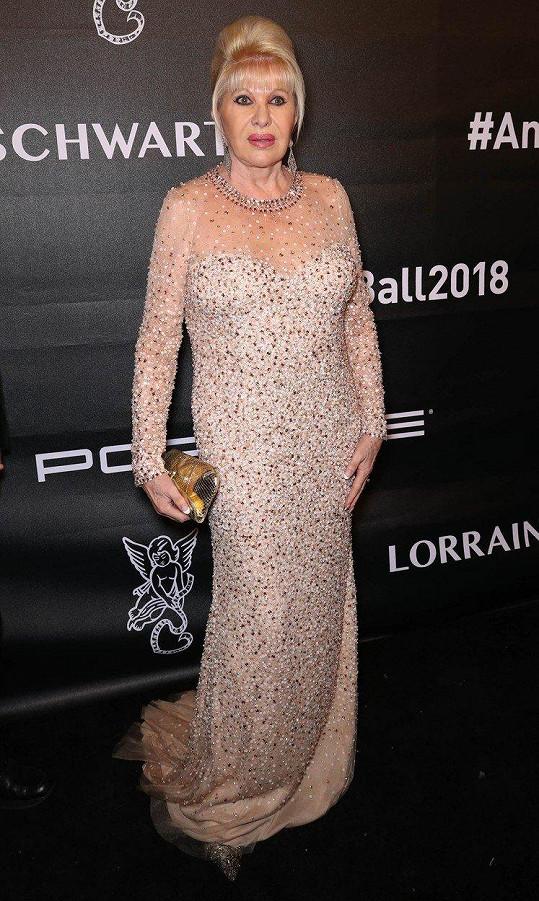 Ivana Trump vyrazila na ples.