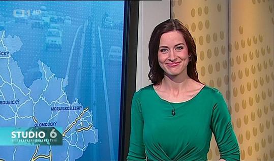 Kvůli kontroverzní lásce se vrací do Studia 6 České televize.
