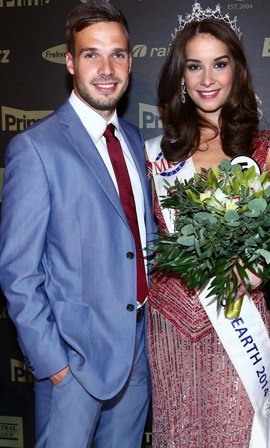 Nikola chodí s přítelem Filipem Novákem přes čtyři roky.